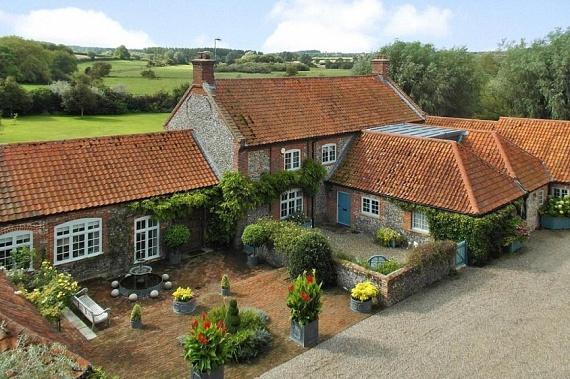 Ezen a fotón jól látható, mennyire elszigetelt településen található Harry háza - a szomszédok miatt biztos nem kell majd aggódnia.