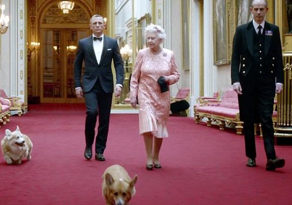 Erzsébet királynő sem hazudtolta meg önmagát az olimpiát népszerűsítő videóban. Elegáns, határozott, előkelő, és természetesen corgijai is elkísérik.