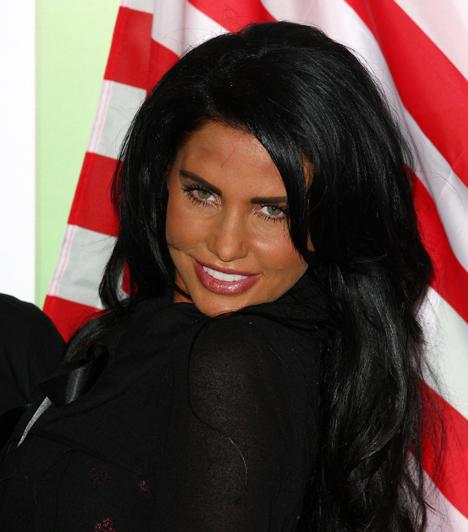 Katie Price  A Jordan néven is ismert reflektorfényfüggő brit celebmaca bármit hajlandó megtenni azért, hogy a figyelem középpontjában maradjon. Ciki ruhákban mutogatja magát, hedonista módon bulizik, és mindenféle műbalhékba keveredik. 2009 szeptemberében például azt nyilatkozta, hogy régebben egy híresség megerőszakolta.