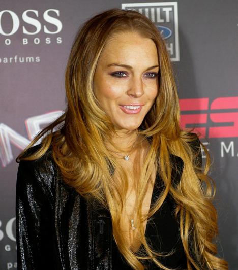Lindsay Lohan  Az egykori gyereksztárnak sem színésznőként, sem énekesnőként, sem pedig divattervezőként nem igazán sikerült befutnia. Ehelyett többször letartóztatták már ittas vezetésért, és sorra járja az elvonókat. Kapcsolódó cikk: Lindsay Lohant felpuffadt arccal fotózták le »