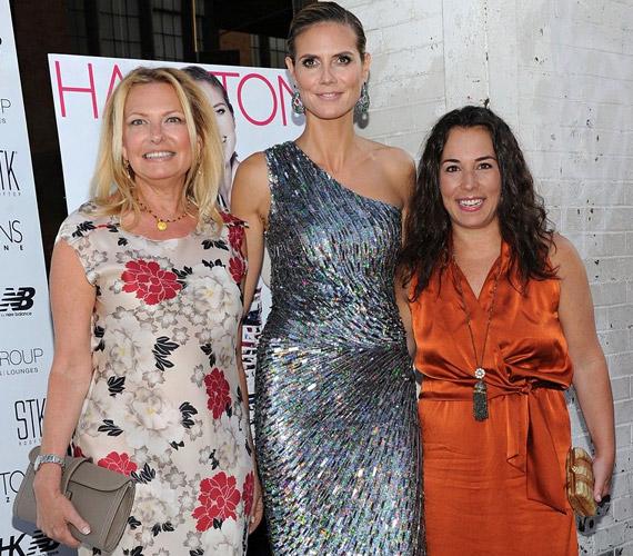 A Hamptons magazin kiadójával, Debra Halperttel és Samantha Yanks szerkesztővel.