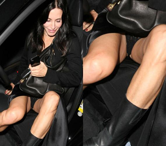 Courteney Cox is hasonlóan érezhetett, amikor nem épp kecsesen próbált beszállni autójába.