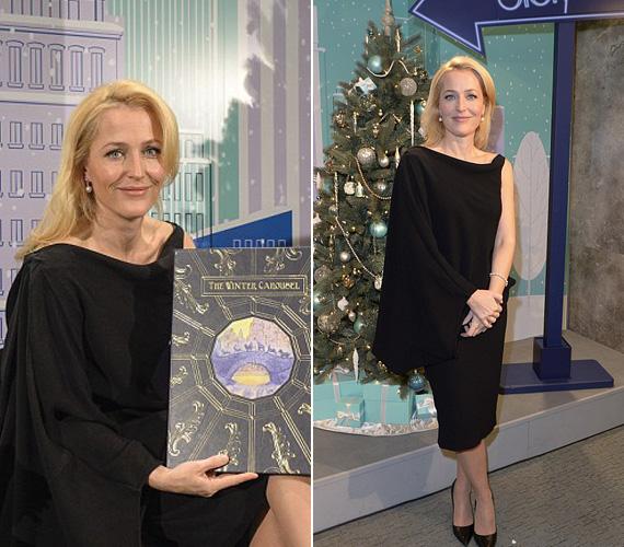Gillian Anderson, az X-Akták egykori sztárja is vasárnap tette tiszteletét a Tiffany & Co. karácsonyi vásárának megnyitóján a londoni Bond Streeten. A 46 éves színésznő egy asszimetrikus vállmegoldású ruhát vett fel az eseményre.