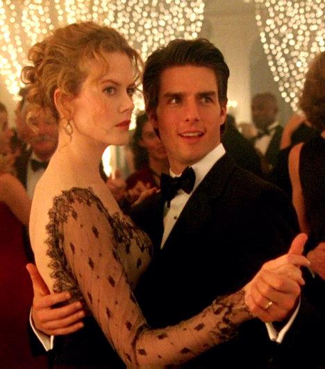 Alice és Bill - Tágra zárt szemek  Nicole Kidman és Tom Cruise filmforgatás közben jöttek össze, és 1990-ben össze is házasodtak. Azonban a színésznő nem tudott teherbe esni, így annak dacára, hogy két gyermeket is adoptáltak, a kapcsolat mégis válással végződött. A színésznő végül Keith Urban mellett találta meg a boldogságot. Tom Cruise-nak azonban ez nem sikerült, felesége, Katie Holmes 2012-ben elvált tőle szcentológia-mániája miatt.  Kapcsolódó cikk:  Katie Holmes úgy döntött, elválik Tom Cruise-tól »