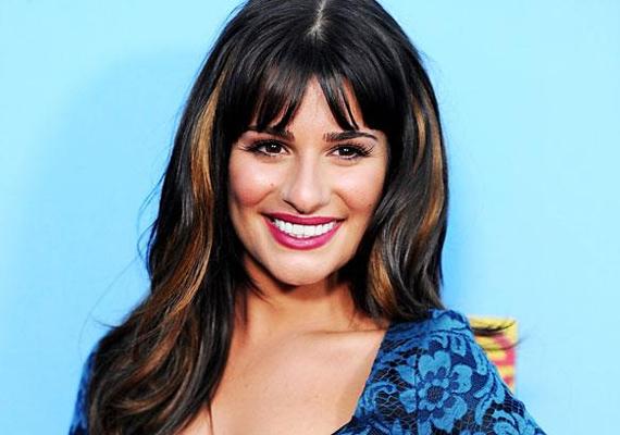 """Lea Michele az életben koránt sem olyan aranyos és visszafogott, mint amilyen Rachel a Gleeben. 2012 augusztusában Kate Hudson, aki vendégszerepelt a sorozatban lerántotta a leplet a színésznő valódi jelleméről.                         """"Lea egy igazi rémálom. Egyszer le kellett állnunk egy technikai baki miatt, ő pedig nekiállt csettintgetni az ujjaival, hogy haladjanak már, neki fontosabb programja is van."""""""