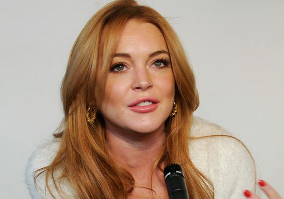 """A vétkek völgye rendezője fogcsikorgatva várta a forgatás végét. Paul Schrader 2013-ban elárulta a velencei filmfesztiválon, hogy Lindsay Lohannel dolgozni kész rémálom és örül, hogy végre megszabadult tőle.                         """"Az elmúlt 16 hónapban úgy éreztem, mintha Lindsay Lohan foglya lettem volna. Jó színésznő, nem azt mondom, itt is van a helye a szakmában, de a viselkedésére nincsenek szavak."""""""