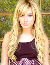 10. hely - Ashley Tisdale