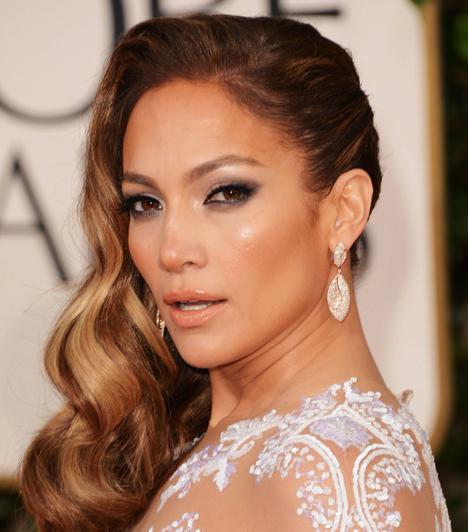 Jennifer Lopez  A latin díva sem volt mindig éppen hű, Pitbullal ugyanis nem csak a közös számuk sikerét osztotta meg, hanem az ágyát is, pedig akkoriban még a sokkal fiatalabb Casper Smart volt a párja.