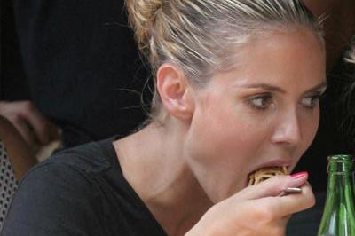 Heidi úgy tűniik, napok óta nem evett.