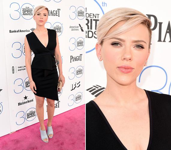 Scarlett Johansson, aki 2014 őszén adott életet gyermekének, a vagánysággal fűszerezett nőiességet képviselte - bár a klasszikus kis feketét viselte, de a ruha asszimetrikus szabása és a 30 éves színésznő fiús frizurája gondoskodott a figyelemről.