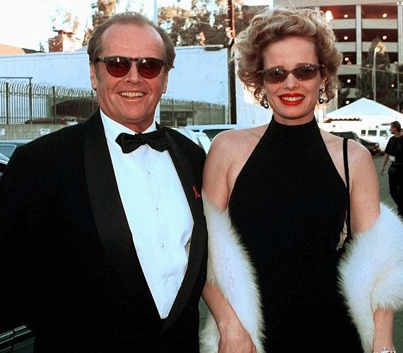 Két gyermeke született Rebecca Broussard színésznőtől. Első lánya egyetlen feleségétől, Sandra Knighttól, Susan Anspachtól fia, Caleb Nicholson 1970-ben, Winnie Hollmantól második lánya, Honey Hollman 1981-ben született.
