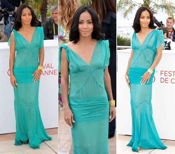 Cannes-ban öltötte magára ezt a türkizszínű, földig érő, könnyed ruhát - hozzá illő, természetes frizurát viselt.