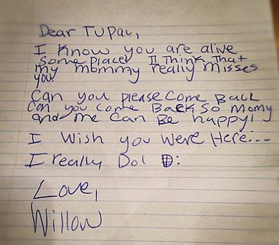 Willow Smith érzelmes levelet írt a halott Tupacnak, melyben kéri, jöjjön vissza, mert nagyon hiányzik az édesanyjának.