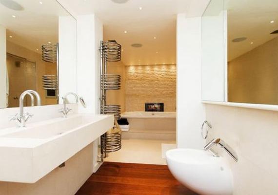A lakásban három hálószoba van, mindegyikhez külön fürdőszoba tartozik, hogy a vendégek minél nagyobb kényelmet élvezhessenek.