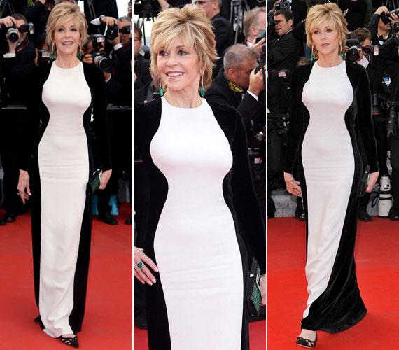 A 65. Cannes-i Nemzetközi Filmfesztiválon ebben a fekete-fehér Stella McCartney darabban is lehengerlő volt. Az öltözéket smaragdzöld fülbevalóval, gyűrűvel és retiküllel dobta fel.