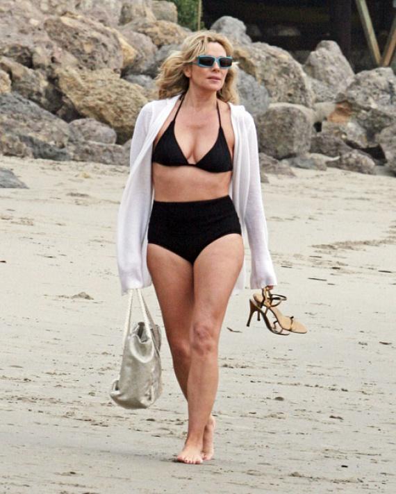 Hinnéd, hogy a Szex és New York Samantháját alakító Kim Cattrall már 60 éves? Bikiniben mégis úgy fest, mint egy erős harmincas.
