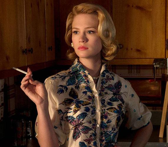 January Jones 2007 óta formálja meg Betty Draper karakterét a Mad Men - Reklámőrültek című sorozatban.