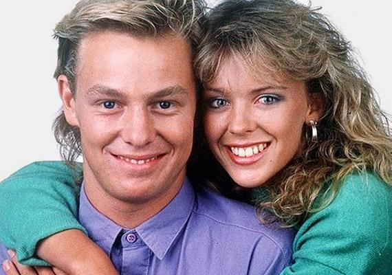 Jason Donovan és Kylie Minogue igazi álompárnak számítottak a nyolcvanas években, bár sokáig tagadták kapcsolatukat.