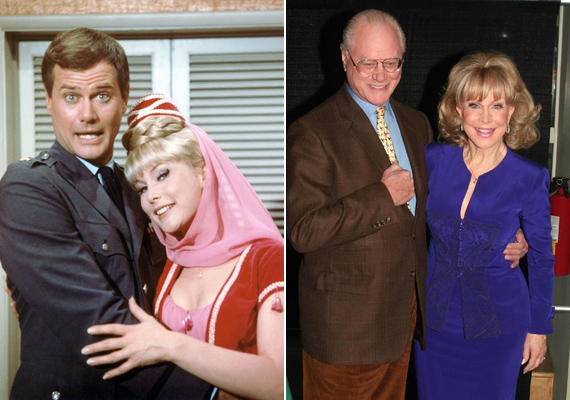Jeannie és szerelme összebújva pózolnak a szériához készült reklámfotón, majd több mint 40 évvel később, 2006-ban, a sorozat DVD-kiadásának apropójából találkozott újra Barbara Eden és Larry Hagman.