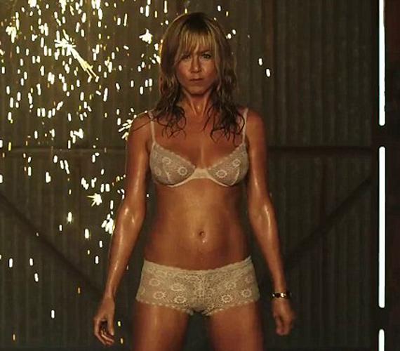 A sztár új filmjében egy sztriptíztáncosnőt alakít majd. A karakterhez tökéletes alakja van.