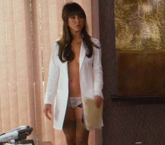 A legfrissebb hírek szerint Aniston megtalálta a szerelmet Justin Theroux személyében, románcukat azonban hivatalosan nem erősítették meg.