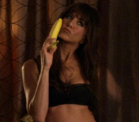 Aniston fő feladat a csábítás és a provokatív megjelenés volt - pikáns jelenetekben tehát nem lesz hiány.