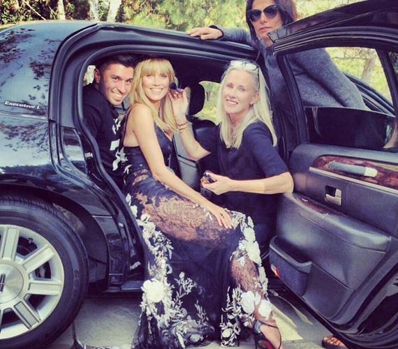 Heidi Klum a Golden Globe-gála előtt még az autóban is készülődött.