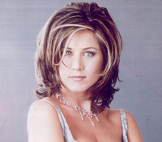 Ezzel a frizurával robbant be a köztudatba a Jóbarátok Racheljeként.