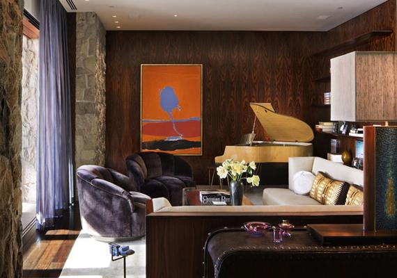 A kisebb nappaliban vagy társalgóban zongora is helyet kapott.