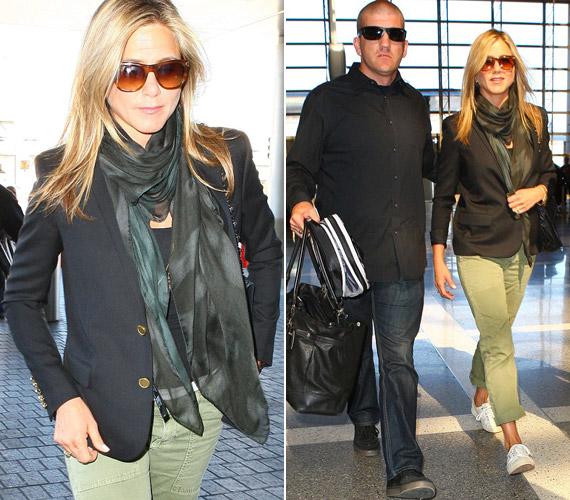 A színésznő új filmjének promotálására utazott Londonba. A repülőtéren kapták lencsevégre. Blézerével takarta a hasát, ami újabb lendületet adott a pletykáknak, miszerint terhes.