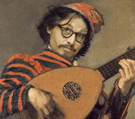 Johnny Depp kicsit bugyután fest.