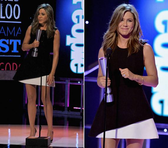 Jennifer Aniston fekete-fehér miniruhában nyűgözte le az egybegyűlteket.
