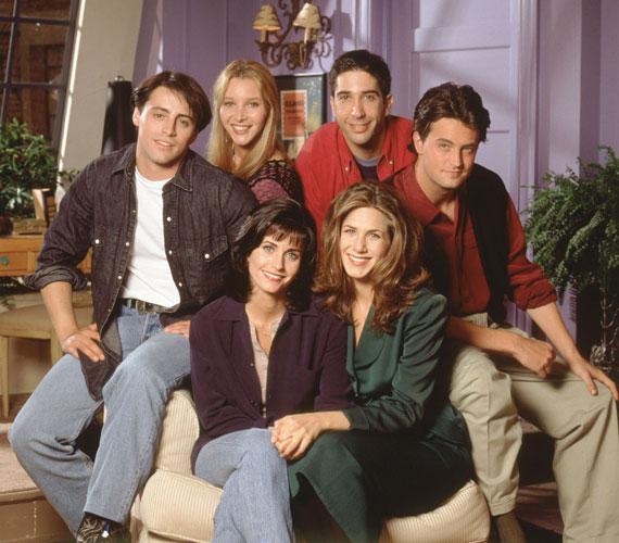 1994-ben részt vett a Jóbarátok meghallgatásán - eredetileg Monica Geller szerepére jelentkezett, de Rachel közelebb állt hozzá. Alakításáért többek között öt Emmy-díjra jelölték. A sorozat hatalmas siker lett, tíz évad készült belőle.