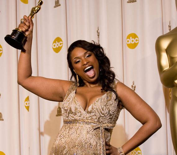 A 2006-os Dreamgirls című filmben nyújtott alakításáért a legjobb női mellékszereplőnek járó Oscar-díjat vehette át.