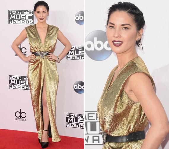 Olivia Munn egy aranyLanvin ruhában vonzotta magára a tekinteteket.