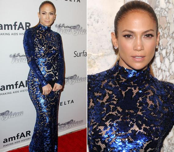 A New York-i amfAR-gálán egy sokat sejtető kék csipke ruhában keltett feltűnést.