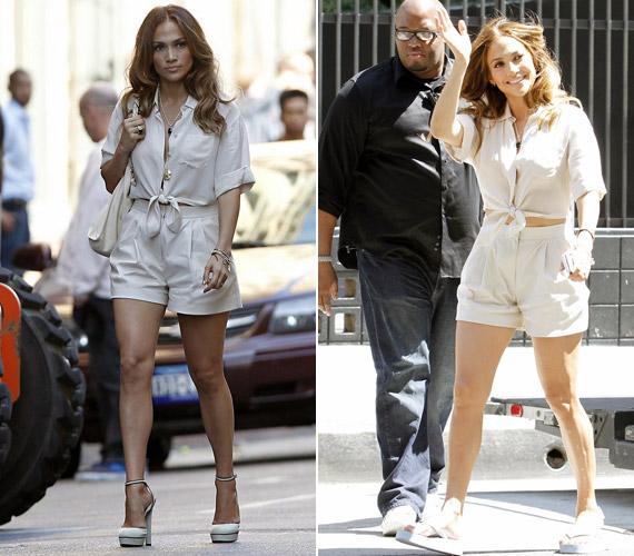 Jennifer Lopez a forgatási szünetekben sétálgatott szexi szerelésében, magas sarkú szandálja szépen kihangsúlyozta formás lábait.