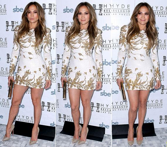 A díva egy dögös fehér miniruhában ünnepelte meg Goin' In című új dalát Las Vegasban.