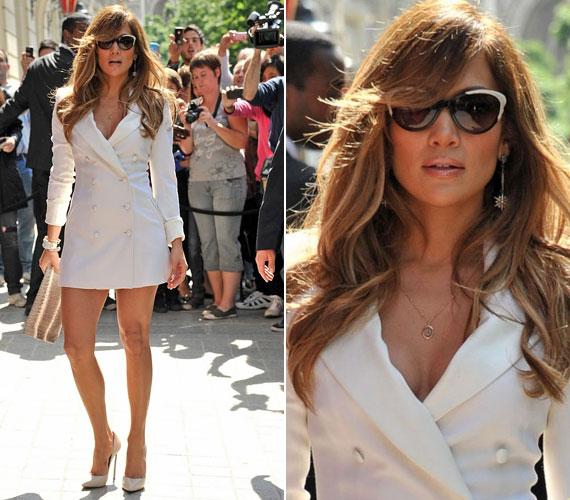 Jennifer úgy nézett ki, mint aki egy divatlapból lépett elő. Igaz, formás hátsóját épphogy csak takarta a szexis kreáció, mely Rachel Zoe kollekciójából való.