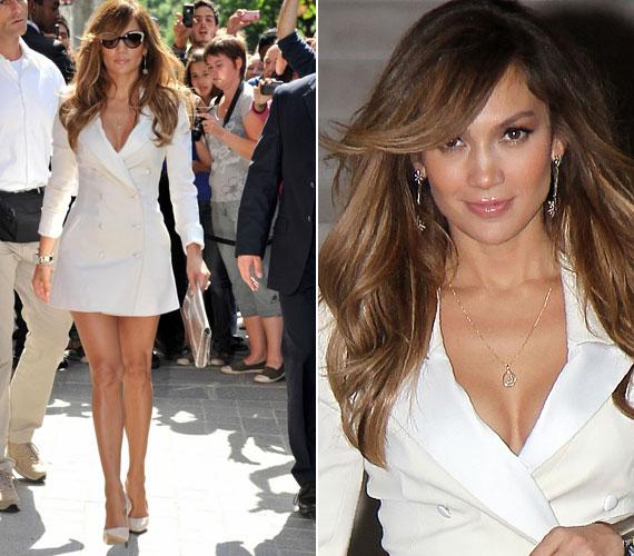 Az énekesnő egyébként nagy divatbolond, nem véletlen, hogy egyik legjobb barátnője a focistafeleség-divattervező, Victoria Beckham.