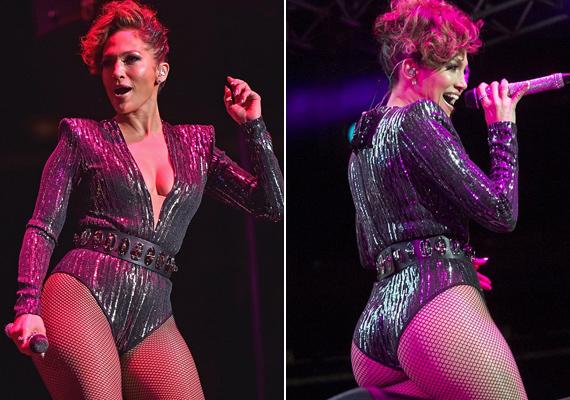 Ruhája nem sokat bízott a fantáziára, tánc közben mindent megmutatott az énekesnő bájaiból.
