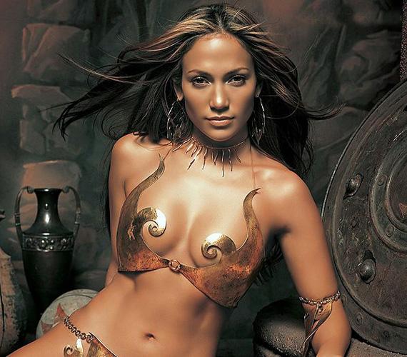 Ez az ókori stílus már bejött az énekesnőnek egy fotósorozat készítésekor.