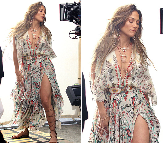 Jennifernek hihetetlenül jól állt ez az indiános összeállítás, ahogy a kiengedett, hosszú haj is, amit azonban nem nagyon értünk, hiszen csupán néhány hete posztolt magáról rövid frizurás fotót.