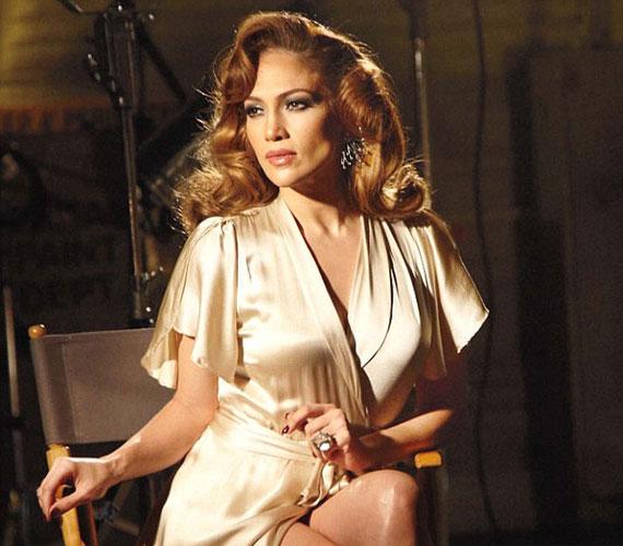Jennifer Lopez akár a negyvenes-ötvenes évek álomgyárának imádott dívája is lehetne eme kép alapján.