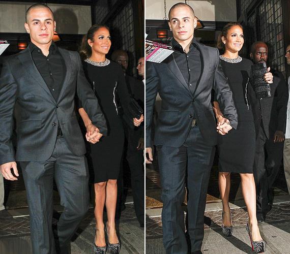 Ugyanazon a napon többször is átöltözött: csinos fekete ruhájához óriás platformú cipőt vett.