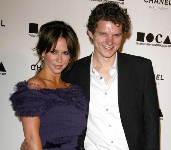 Alex Beh színész-rendezővel 2010 júliusában kezdett járni, kilenc hónappal később azonban szakítottak.