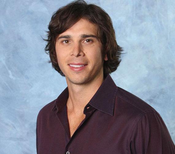 A Szellemekkel suttogó című sorozat sztárját néhány hete még Ben Flajnikkal hozták hírbe, aki a The Bachelorette című valóságshow-ban tűnt fel.