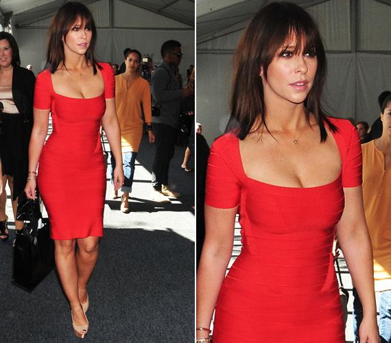 Jennifer nemcsak a méregdrága ruháját, új frizuráját is megvillantotta - a színésznő a napokban vált meg hosszú, hullámos hajkoronájától.