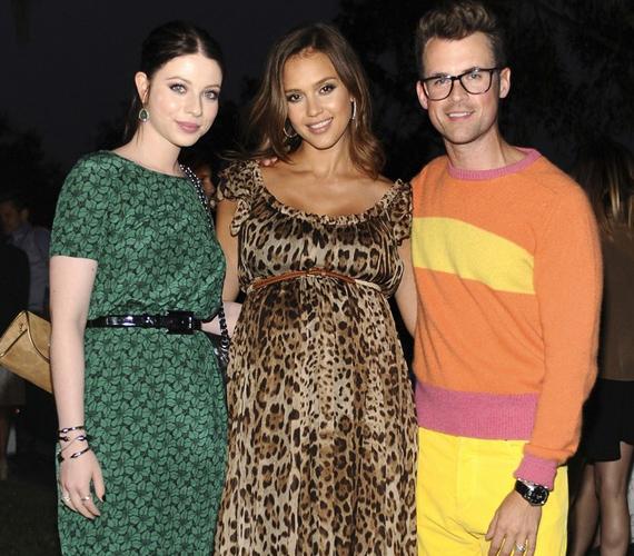 A partin Michelle Trachtenberg színésznő és Alba stylistja, Brad Goreski is megjelent, Jessica velük is kedvesen elcsevegett.