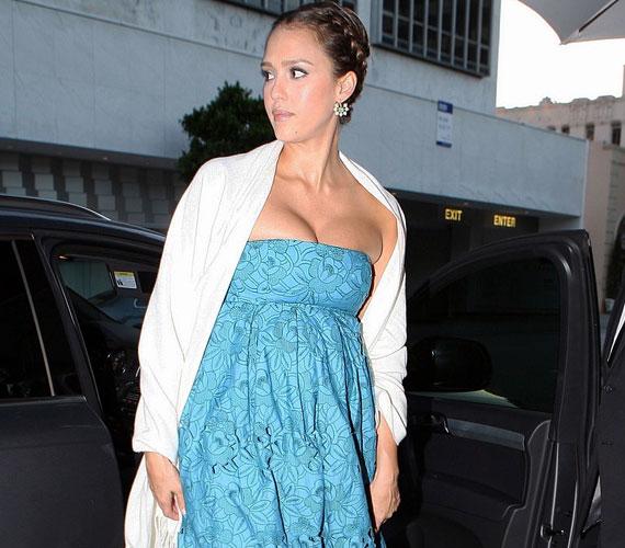 A színésznőnek és férjének már van egy kislánya, Honor június 7-én ünnepelte harmadik születésnapját.